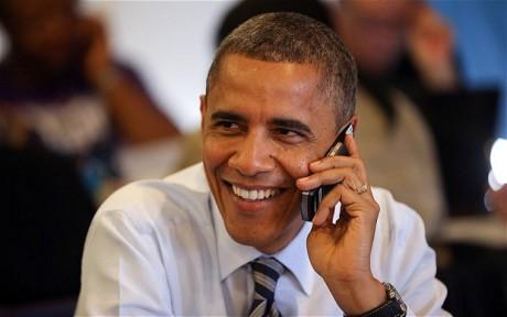 Obama-Phone-_elect_2390809b-460x288