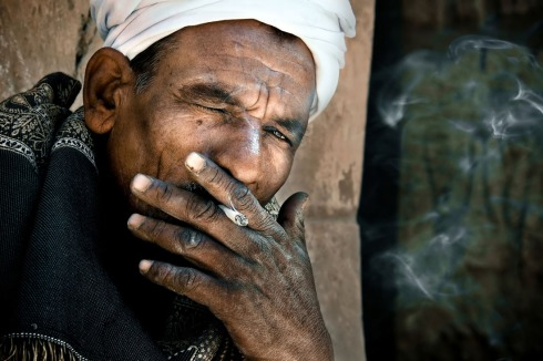 08-david-lazar-smoking-egyptian-man