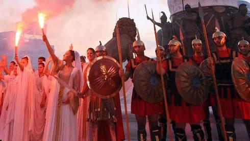 111004032805-macedonia-skopje-alexander-statue-horizontal-large-gallery